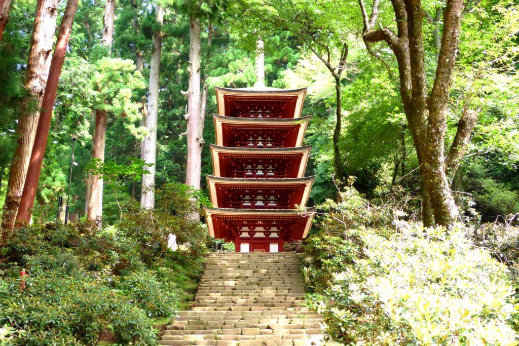 奈良県宇陀市室生にある室生寺の五重塔(国宝)(夏・7月)