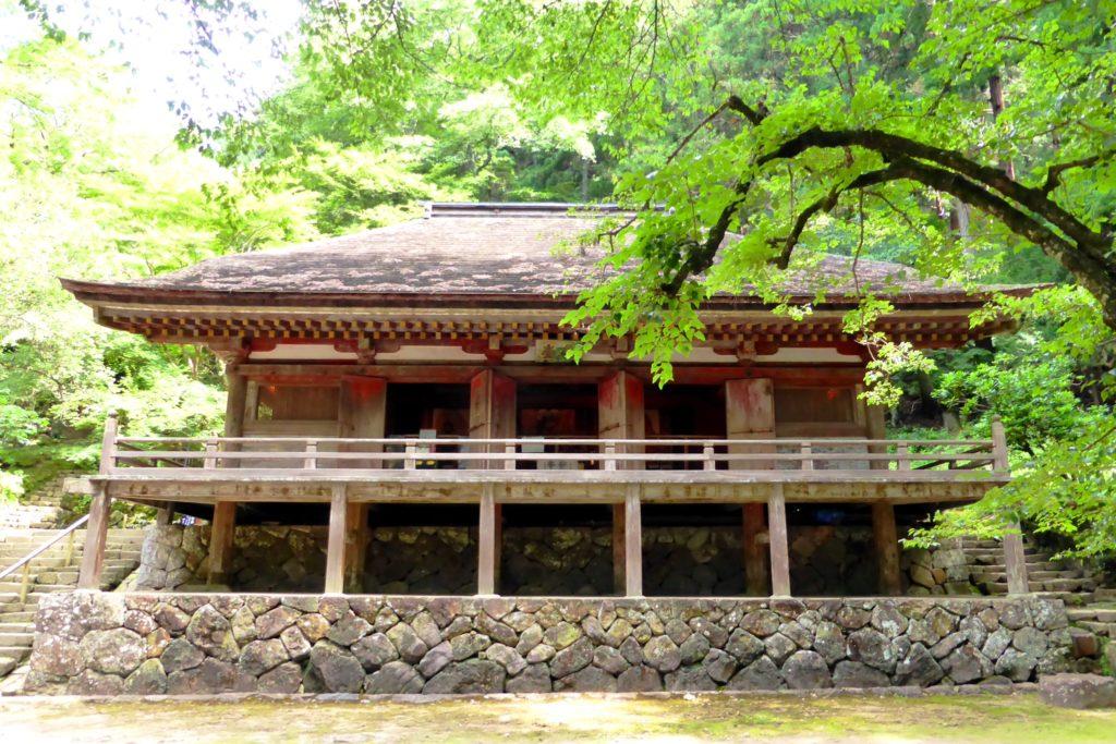 奈良県宇陀市室生にある室生寺の金堂(国宝)(夏・7月)