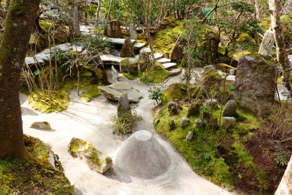 京都市左京区大原にある宝泉院の宝楽園(春・3月)