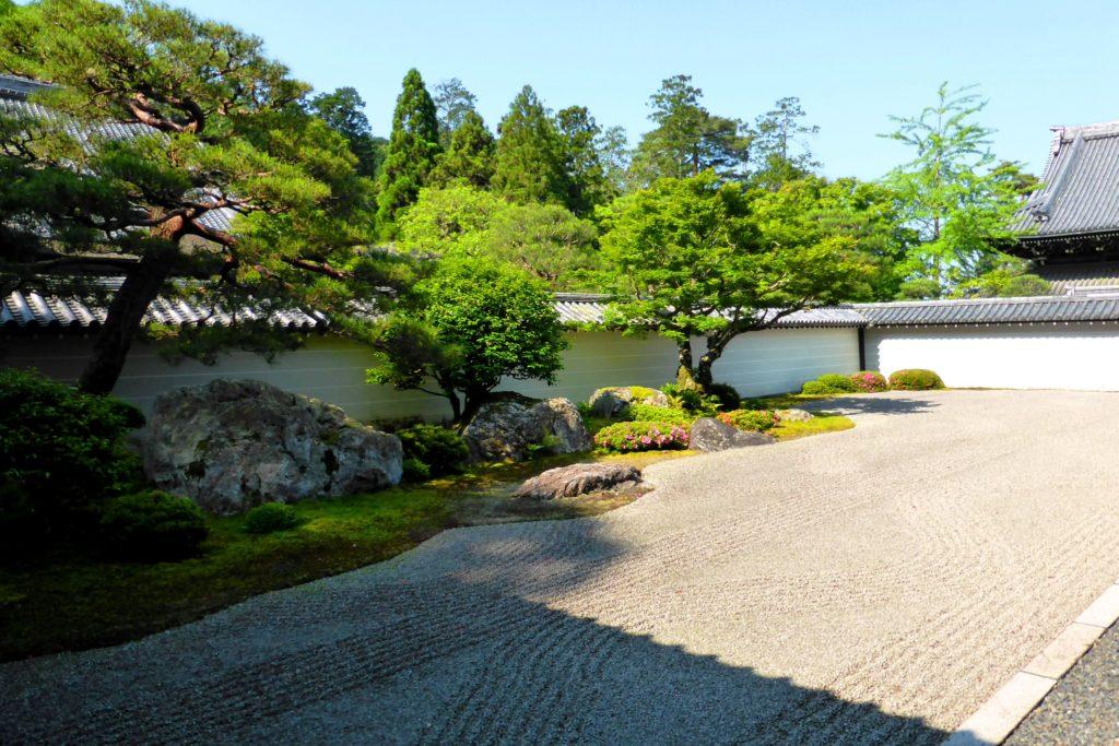 京都市左京区にある南禅寺の方丈庭園(春・5月)
