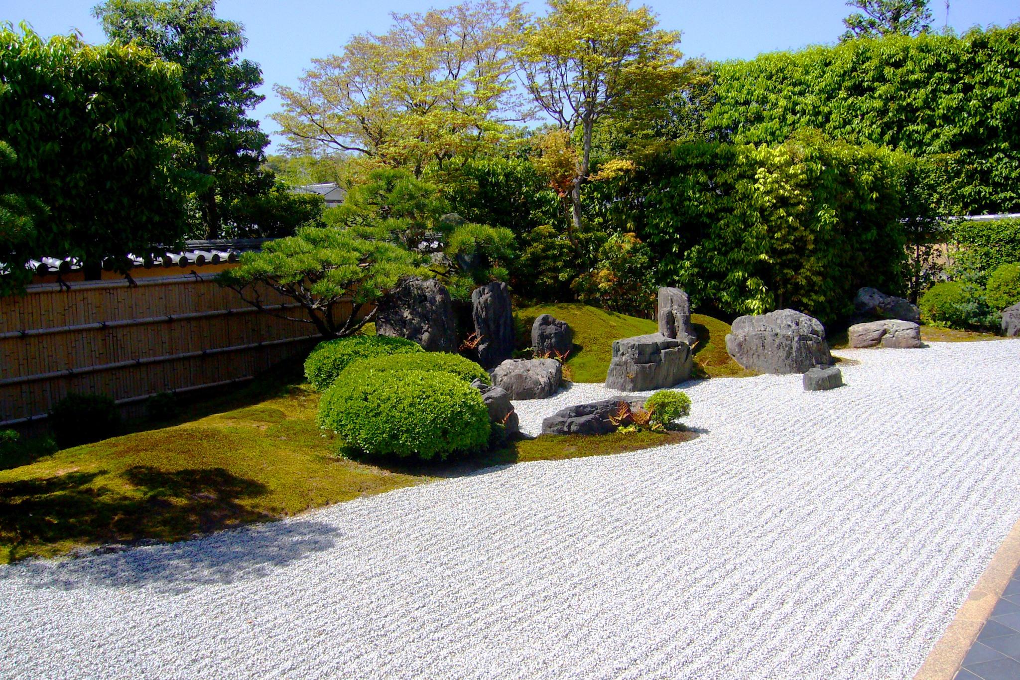 京都市北区にある興臨院の方丈庭園